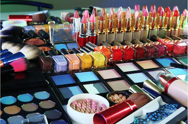 Обзор лучших косметических продуктов из рождественских коллекций 2014