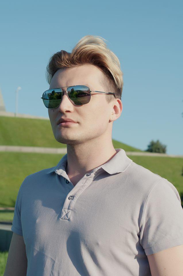 Роман медный мужские очки4