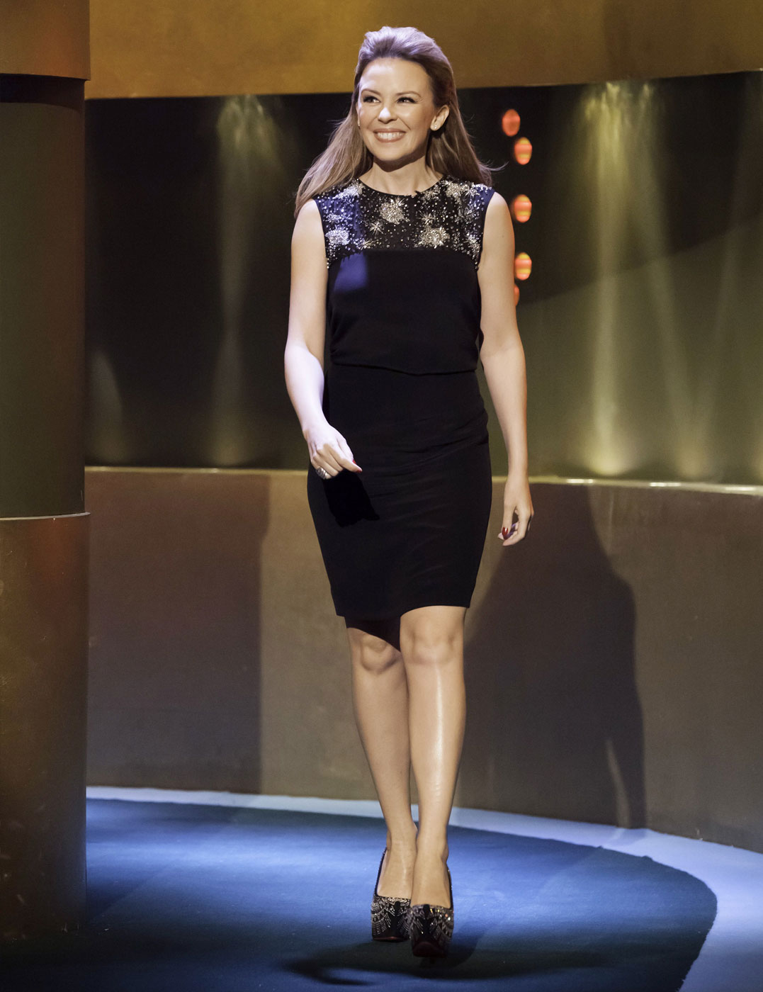 1351274006-kylie-s-talks-to-jonathan-ross-preview