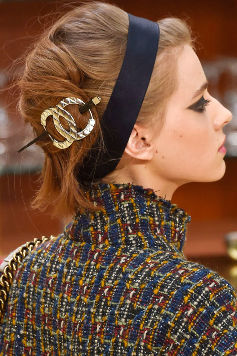 hbz-fw2015-hair-trends-new-french-twist-chanel-clp-m-rf15-0214