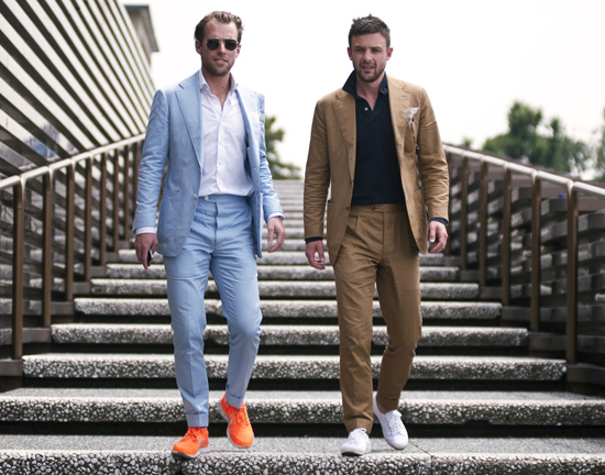 how-to-wear-sneakers-with-suit-men-5