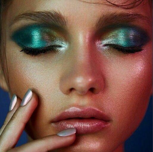 Трендовые виды smoky eyes для вашей формы глаз