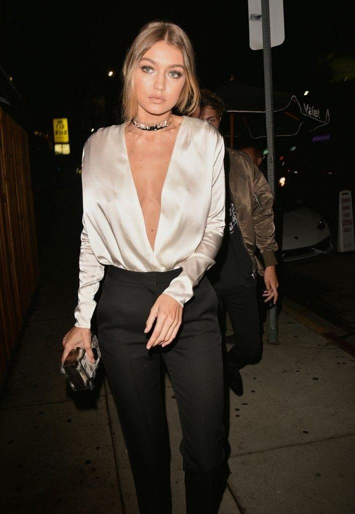 модная блуза: ланжери стрит-стайл