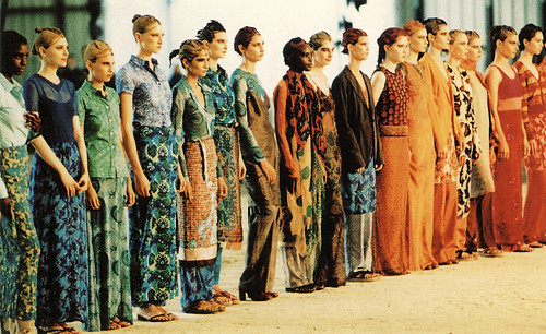 стиль 90-х Dries Van Nooten spring–summer 1997