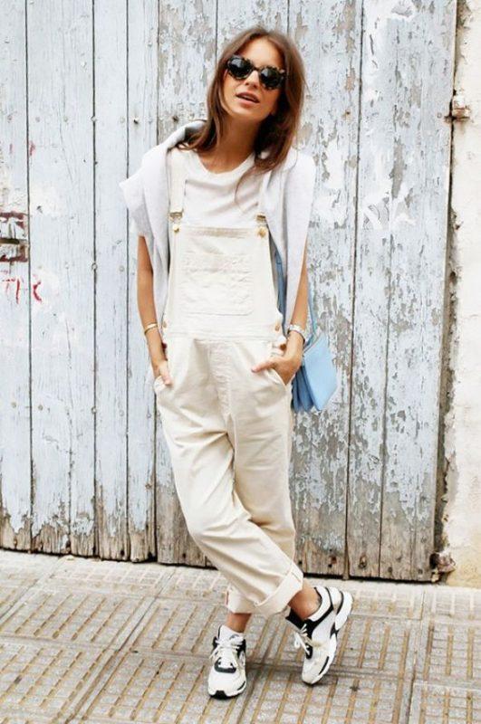 Белая футболка + комбинезон