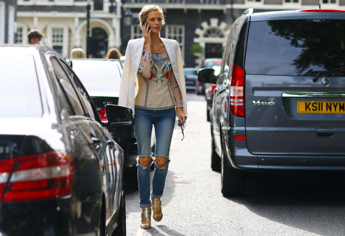 Ripped-Shredded-Jeans-for-Women-12