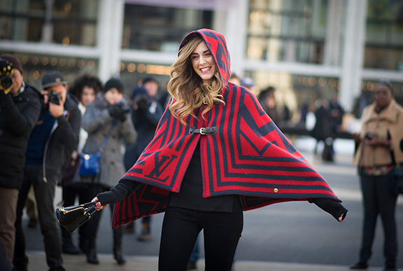 street_style_poncho_2015_fall_trend_4
