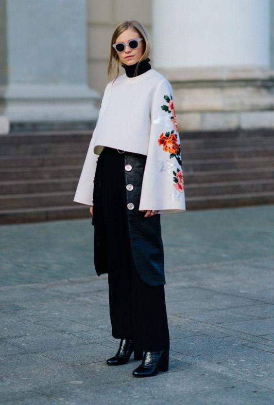 яркий зимний образ, модный свитер архитектурного кроя, вышивка