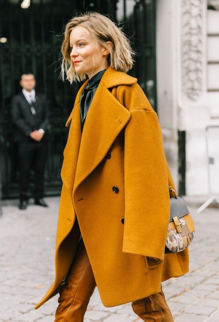 яркий зимний образ, классика, пальто
