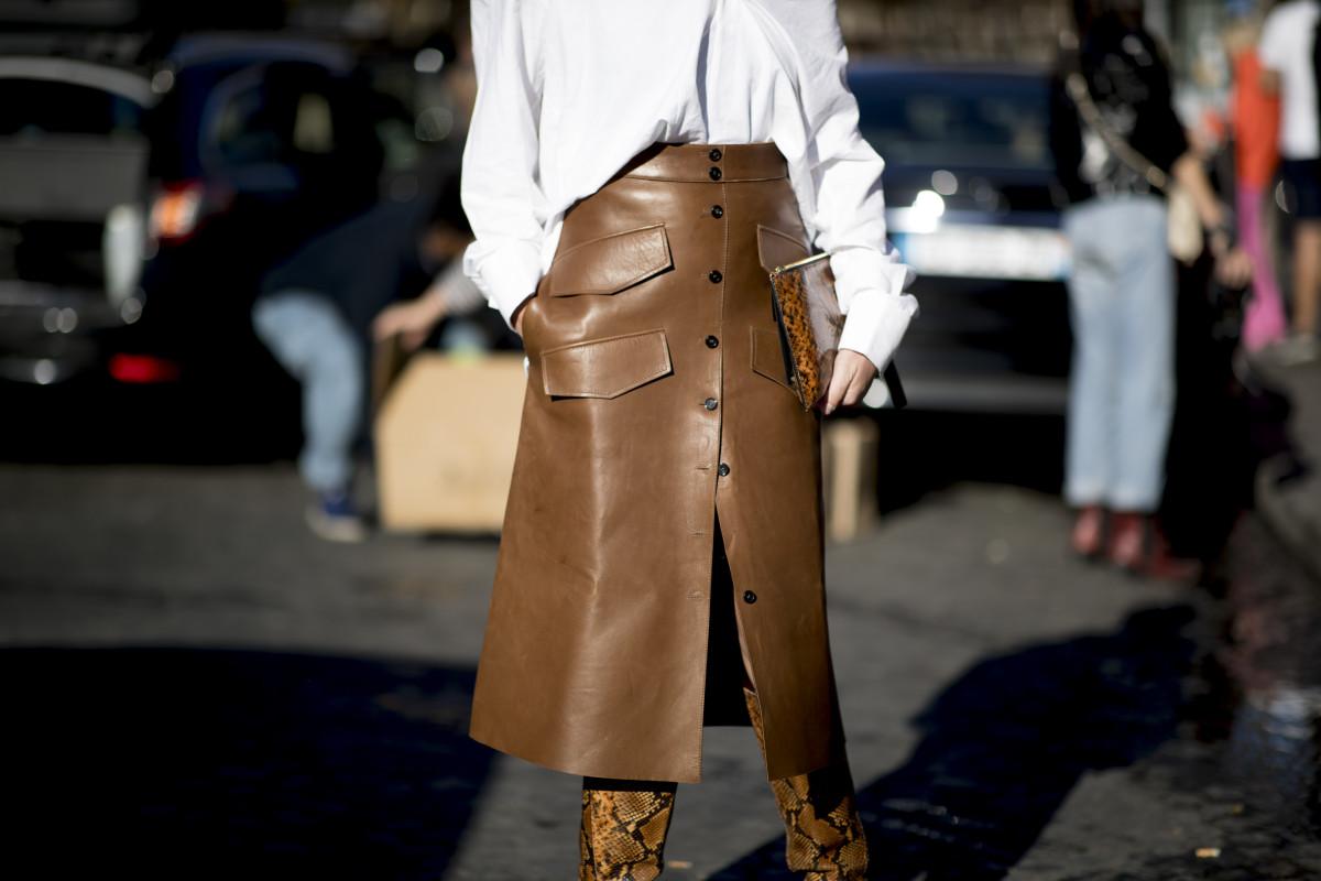 5 модных юбок из кожи и способы их носить
