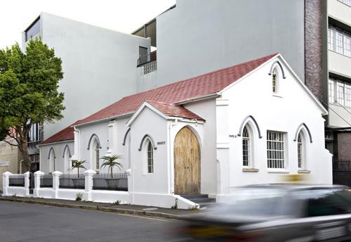 Жилой дом в церкви