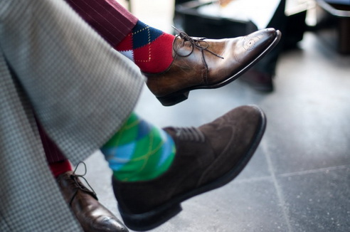 Как выбрать цветные носки?
