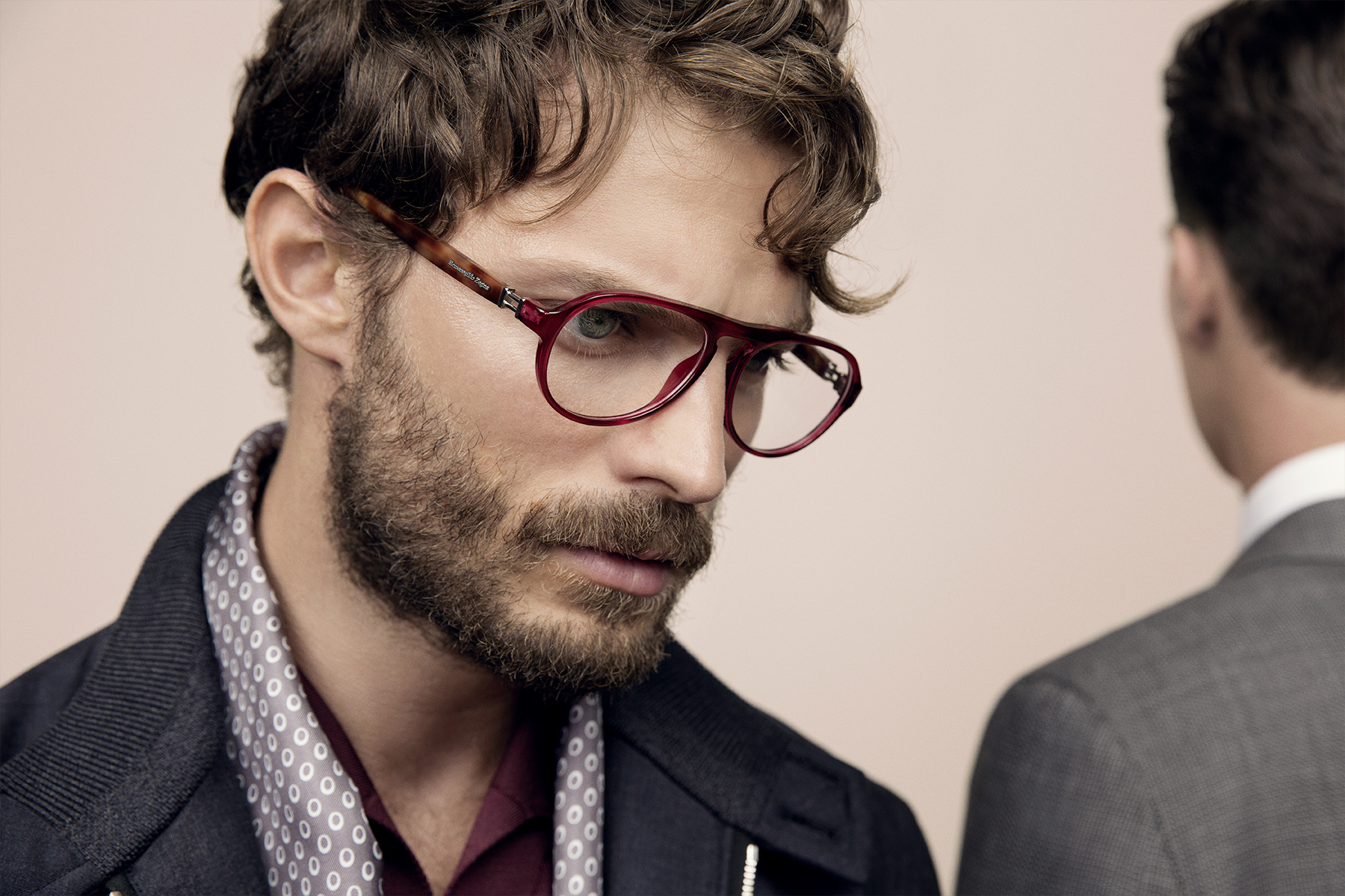 Jamie-Dornan_wearing_Ermenegildo-Zegna_Spring-Summer-2014_optic-frames