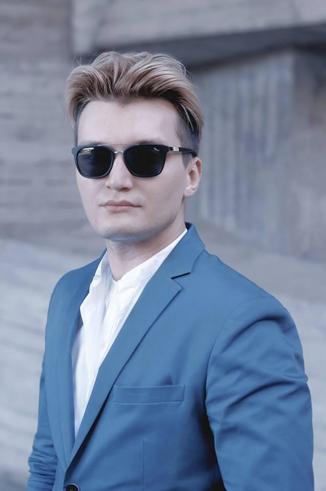 роман медный мужские очки3