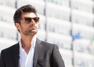 Как выбрать мужские очки летом 2021