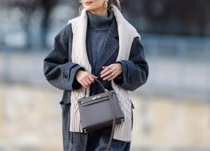 Не скучно: как носить серое пальто осенью 2021